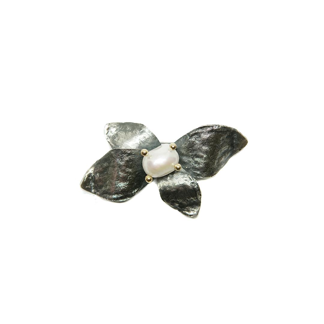 Broche perla 1