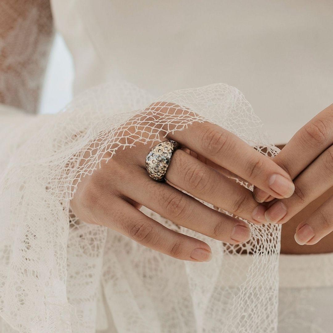 stay strong anillo diamantes engastados