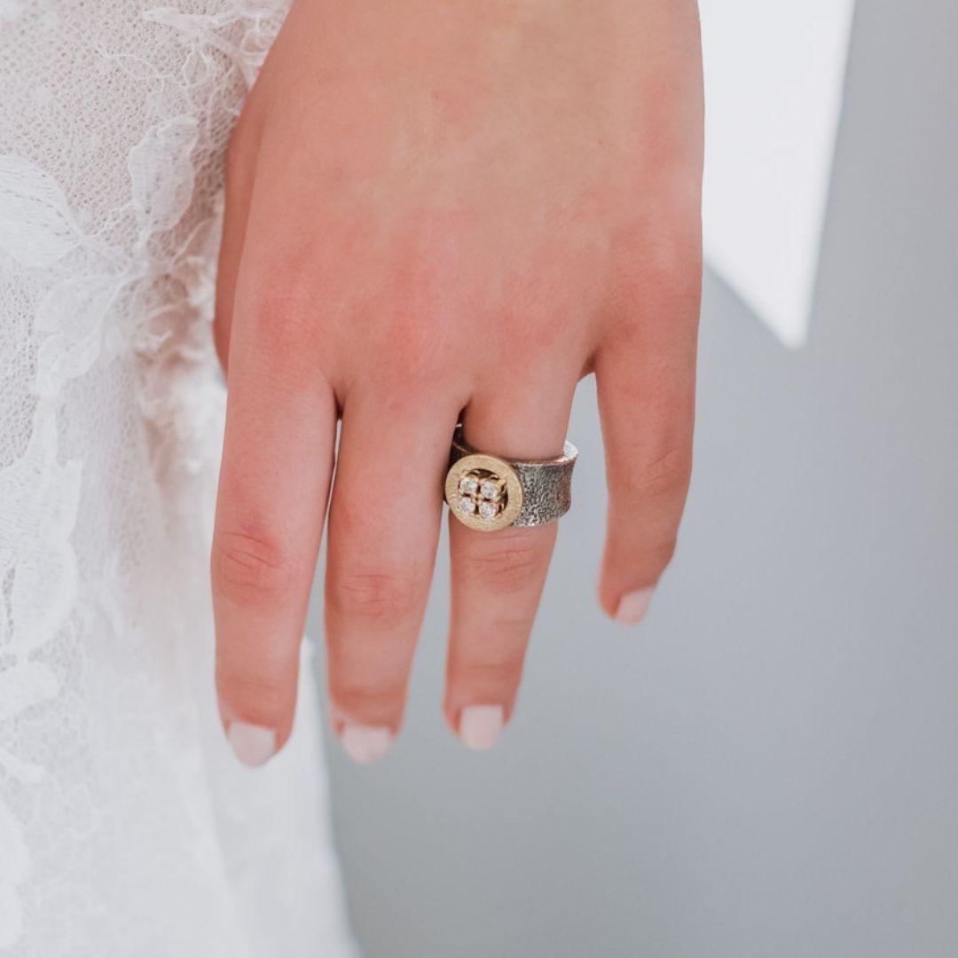 stay strong anillo disk oro y diamantes