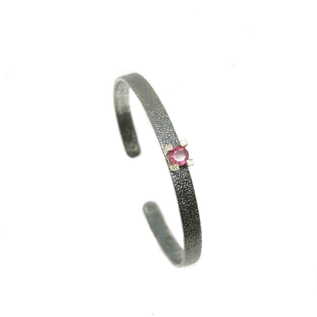 Brazalete de plata con turmalina rosa